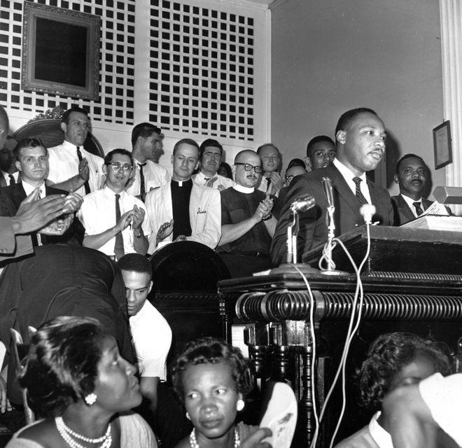 O Κινγκ σε ομιλία του στην Συνδιάσκεψη της Χριστιανικής Ηγεσίας, 1963