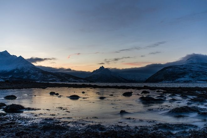 A 3500km winter roadtrip to the Arctic Circle. Landscape at the Norwegian Fjords, near the town of  Tromsø, Norway, on January, 2, 2017  /   3500.   .       ,     Tromsø, ,  2 , 2017