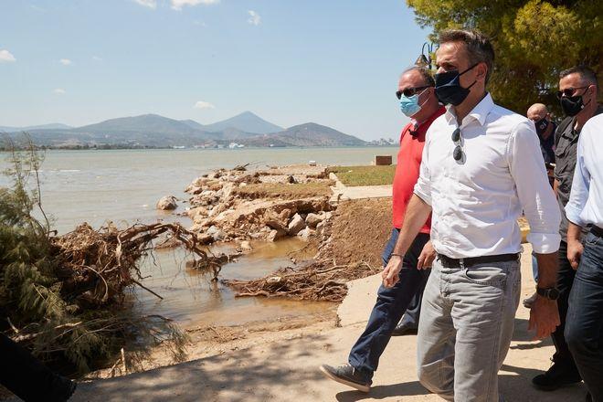 Επίσκεψη Κυριάκου Μητσοτάκη στις πληγείσες από τις πλημμύρες περιοχές της Εύβοιας.