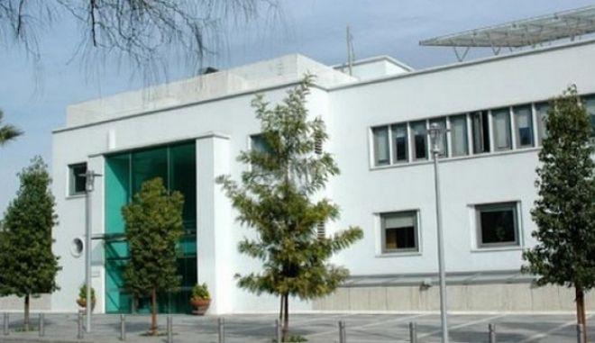 Πυροβολισμοί έξω από την κυπριακή Βουλή