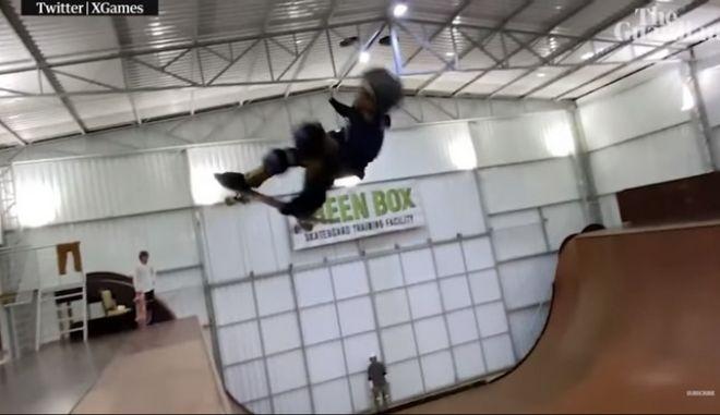 Ένα 11χρονο παιδί - θαύμα καταφέρνει για πρώτη φορά στην ιστορία του skate στροφή 1080 μοιρών
