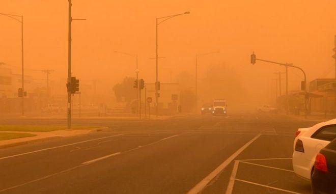 Πνιγμένη στη σκόνη η πόλη της Αυστραλίας.