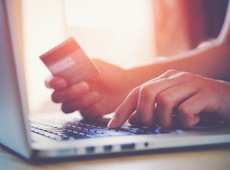 50efc3e670 Εβδομάδα ηλεκτρονικού εμπορίου με προσφορές και εκπτώσεις έως και 50 ...