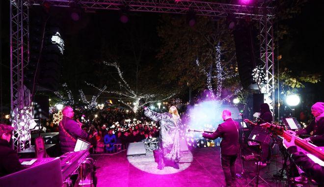 Η Δέσποινα Βανδή ερμήνευσε τραγούδια της κατά τη διάρκεια της εκδήλωσης στο Μαρούσι.