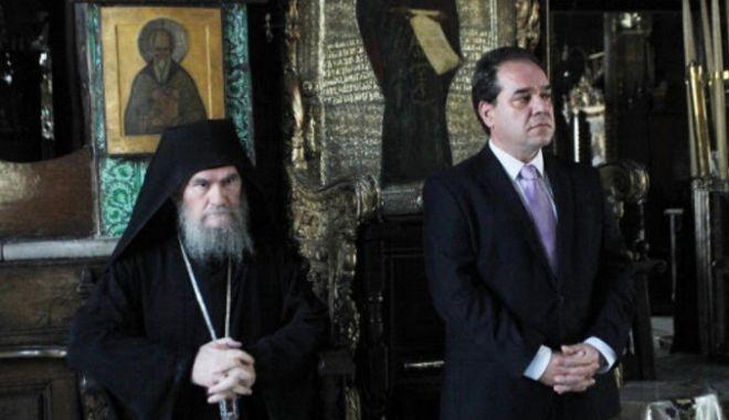 Η Ιερά Κοινότητα αναγνωρίζει την προσφορά Δήμτσα στη διοίκηση του Αγίου Όρους