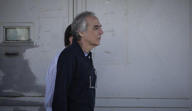 Ο Δημήτρης Κουφοντίνας βγαίνει από τις φυλακές με νέα άδεια