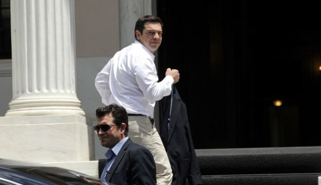 Ο πρωθυπουργός Αλέξης Τσίπρας στο Μέγαρο Μαξίμου την Πέμπτη 4 Ιουνίου 2015. (EUROKINISSI/ΓΙΑΝΝΗΣ ΠΑΝΑΓΟΠΟΥΛΟΣ)
