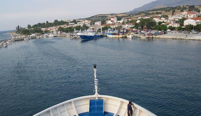 Προκηρύσσεται η ακτοπλοϊκή σύνδεση Σαμοθράκης-Λιμένα Λαυρίου