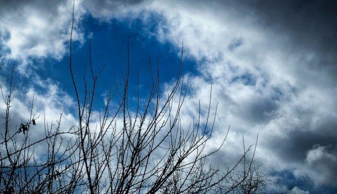 Σύννεφα στον ουρανό της Αθήνας