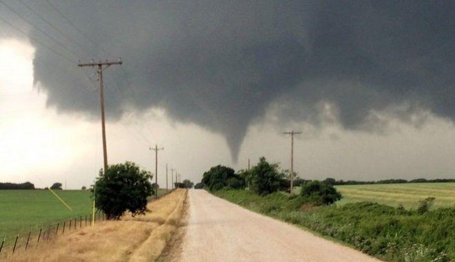 ΗΠΑ: Τουλάχιστον 4 νεκροί και μεγάλες ζημιές από ισχυρές καταιγίδες