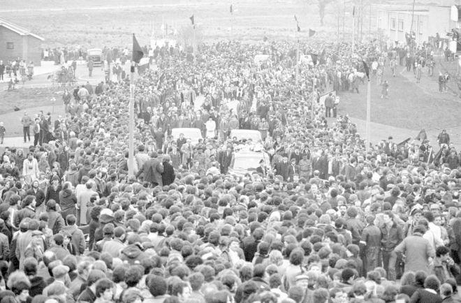 Η πομπή της κηδείας του Μπόμπι Σαντς στο Μπέλφαστ