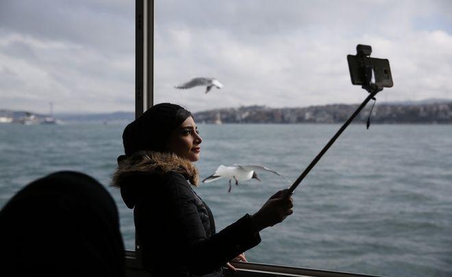 Social media: Το σύνδρομο selfitis οδηγεί ακόμα και στο θάνατο