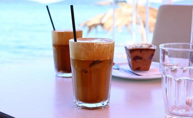#meta_to_kalamaki_ti: 10 τρόποι να πίνεις φραπέ χωρίς καλαμάκι