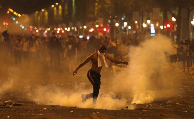 Γαλλία: Δύο νεκροί και επεισόδια κατά τους εορτασμούς για την κατάκτηση του παγκόσμιου κυπέλλου