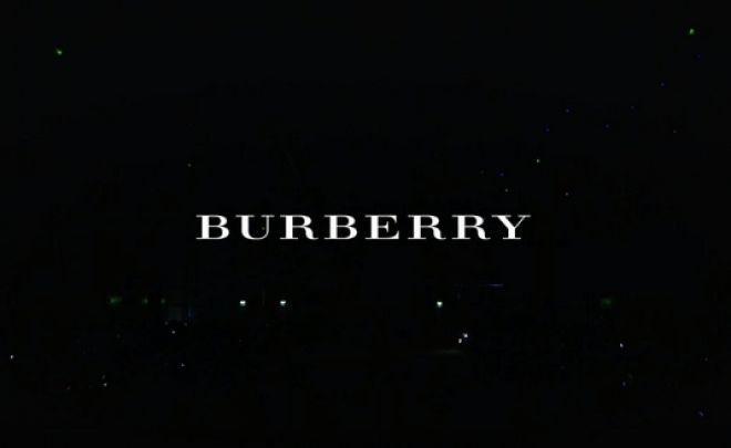Γιατί έκαψε η Burberry ρούχα, τσάντες και αρώματα αξίας 28 εκατ. λιρών