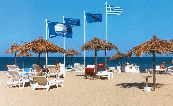 Γαλάζια σημαία: Αυτές είναι οι 8 ελληνικές παραλίες που υποχρεώνονται σε υποστολή
