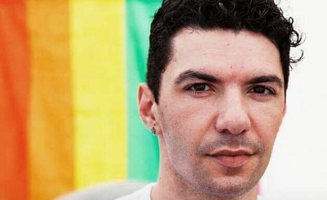 Ζακ Κωστόπουλος: Από τον ακτιβισμό στις ομοφοβικές επιθέσεις και τον θάνατο στη ληστεία στην Ομόνοια