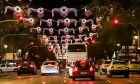Στολισμός της Αθήνας: Ωραίος ή όχι; Ρωτήσαμε τους πολίτες. Δείτε τι μας απάντησαν (Video)