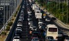 Τι αλλάζει στις άδειες οδήγησης – Βαριά πρόστιμα σε όσους κλείνουν τις εθνικές οδούς