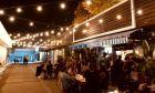 Η ζωή επέστρεψε στα μπαρ: Έτσι βγήκαμε το πρώτο βράδυ