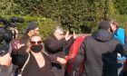 Μιχαλολιάκος: Με τραμπουκίσμους κατά δημοσιογράφων η αναχώρηση για φυλακή (Vid)